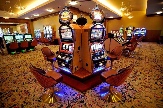 Resorts World Casino falsely accused gambler of attacking slot machine